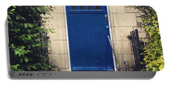 Blue Door In Ivy Portable Battery Charger