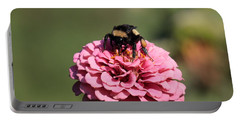 Bumble Bee On Zinnia 2649 Portable Battery Charger