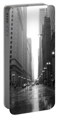 Chicago In The Rain 2 B-w Portable Battery Charger