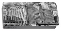 Portable Battery Charger featuring the photograph Chicago Merchandise Mart Black And White by Christopher Arndt
