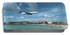 Delta 757 Landing At St. Maarten Portable Battery Charger