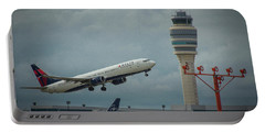 Delta Airlines Airplane N835dn Hartsfield Jackson Atlanta International Airport Art Portable Battery Charger