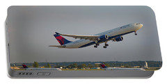 Delta Airlines Jet N827nw Airbus A330-300 Atlanta Airplane Art Portable Battery Charger