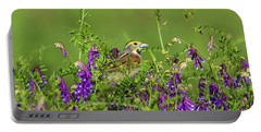Dickcissel - 8256 Portable Battery Charger