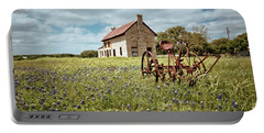 Portable Battery Charger featuring the photograph Dreams Of Long Ago by Linda Unger