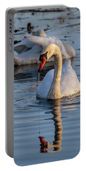 Dripping Swan Portable Battery Charger