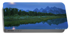 Early Morning Along The Snake River Portable Battery Charger
