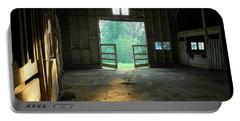 Ellwood Barn 2 Portable Battery Charger