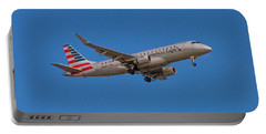 Flying In American Eagle Embraer 175 N426yx Portable Battery Charger