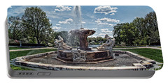 Fountain - Cleveland Museum Of Art Portable Battery Charger