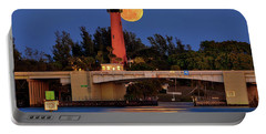 Full Moon Over Jupiter Lighthouse, Florida Portable Battery Charger