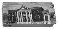 Gilmer County Old Courthouse - Black And White Portable Battery Charger