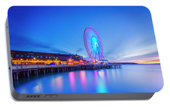 Portable Battery Charger featuring the photograph Great Seattl Wheel by Evgeny Vasenev