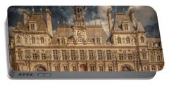Paris, France - Hotel De Ville Portable Battery Charger