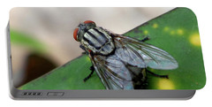 House Fly On Leaf Portable Battery Charger