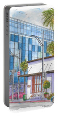 Il Fornaio In Beverly Hills, California Portable Battery Charger