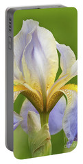 Iris Mady Carriere Portable Battery Charger