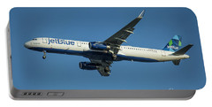 jetBlue Airways Airbus A320 Los Angeles Airport Art Portable Battery Charger