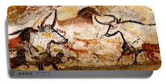 Lascaux Hall Of The Bulls - Deer And Aurochs Portable Battery Charger