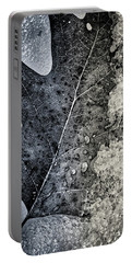 Leaf On Ice Portable Battery Charger