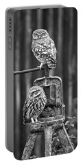 Little Owls Black And White Portable Battery Charger