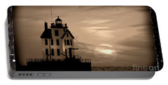 Lorain Lighthouse - Lake Erie - Lorain Ohio Portable Battery Charger
