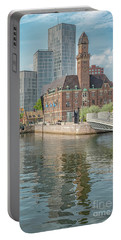 Malmo Live Building Blocks Editorial Portable Battery Charger