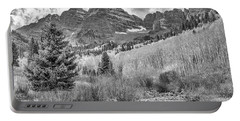 Maroon Creek Monochrome Portable Battery Charger