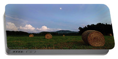Moonrise Hayfield Portable Battery Charger