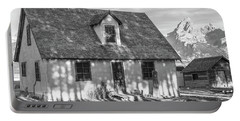 Portable Battery Charger featuring the photograph Moulton Homestead - Pink House by Colleen Coccia