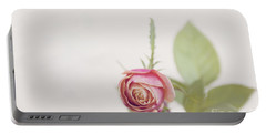 Parade Rosebud Portable Battery Charger