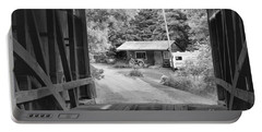 Parke County Homestead Black And White Portable Battery Charger