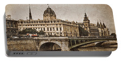 Paris, France - Pont Notre Dame Oldstyle Portable Battery Charger