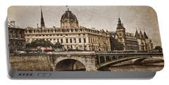 Paris, France - Pont Notre Dame Oldstyle Portable Battery Charger