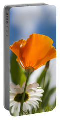Poppy And Daisies Portable Battery Charger
