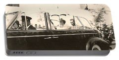 Queen Elizabeth And King George Vi Portable Battery Charger