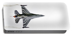 Raf Scampton 2017 - F-16 Fighting Falcon On White Portable Battery Charger