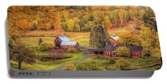 Sleepy Hollow - Pomfret Vermont In Autumn Portable Battery Charger