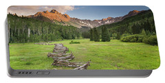 Sneffels Fence Horizontal Portable Battery Charger