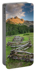 Sneffels Fence Vertical Portable Battery Charger