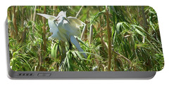 Snowy Egret Feeding Its Young - Digitalart Portable Battery Charger
