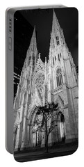 St Patrick Cathedral Black And White  Portable Battery Charger