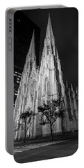 St Patricks Cathedral Nyc Black And White  Portable Battery Charger