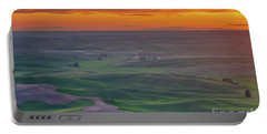Steptoe Butte Sunset Rolling Fields Portable Battery Charger