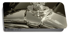 Stutz Hood Ornament Portable Battery Charger
