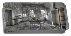 They Are All Gone - Se Ne Sono Andati Tutti Portable Battery Charger