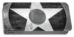 Us Roundel, In Black And White - 2017 Christopher Buff, Www.aviationbuff.com Portable Battery Charger