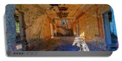 Villa Giallo Atmosfera Artistica Con Selfie - Artistic Atmosphere With Selfie Portable Battery Charger