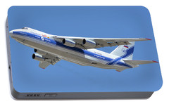 Portable Battery Charger featuring the photograph Volga-dnepr An-124 Ra-82068 Take-off Phoenix Sky Harbor June 15 2016 by Brian Lockett