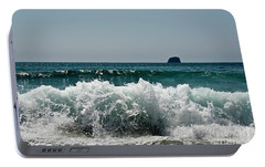 Portable Battery Charger featuring the photograph Waves Of Pacific Ocean. Coromandel,new Zealand by Yurix Sardinelly